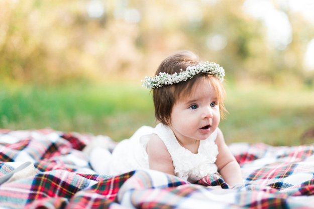 Awake Photography Isla Christmas Carter's Giveaway Holiday Collection Family Photo Inspiration Floral Crown Baby