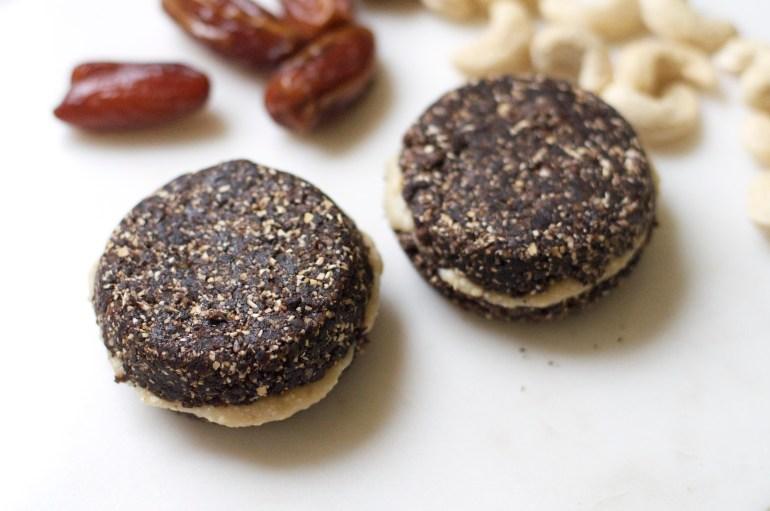 vegan oreo healthy no baking raw oats dates cashews