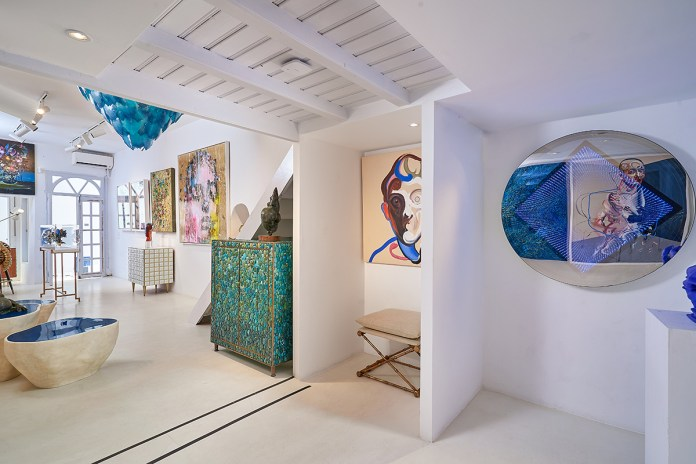 HOFA Gallery & ARTCELS prepare for the 'XXI' exhibition in Mykonos Town