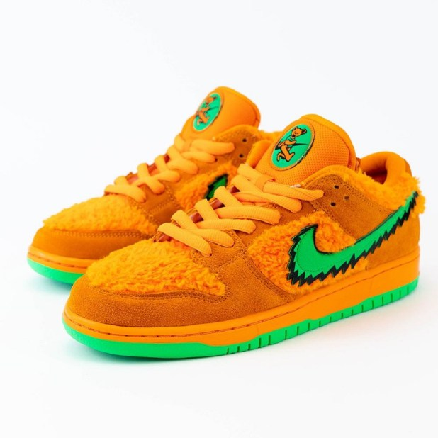 Grateful Dead x Nike SB Dunk Low - Orange Bear - CJ5378-800