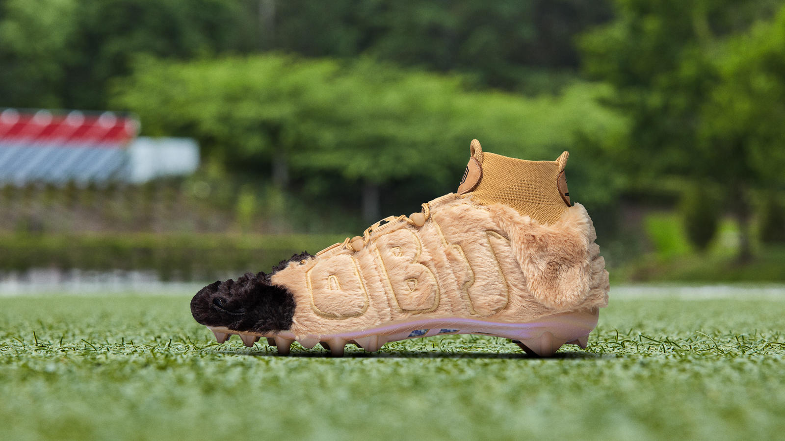 nike-odell-beckham-jr.-pregame-cleats-2019-season-week-14