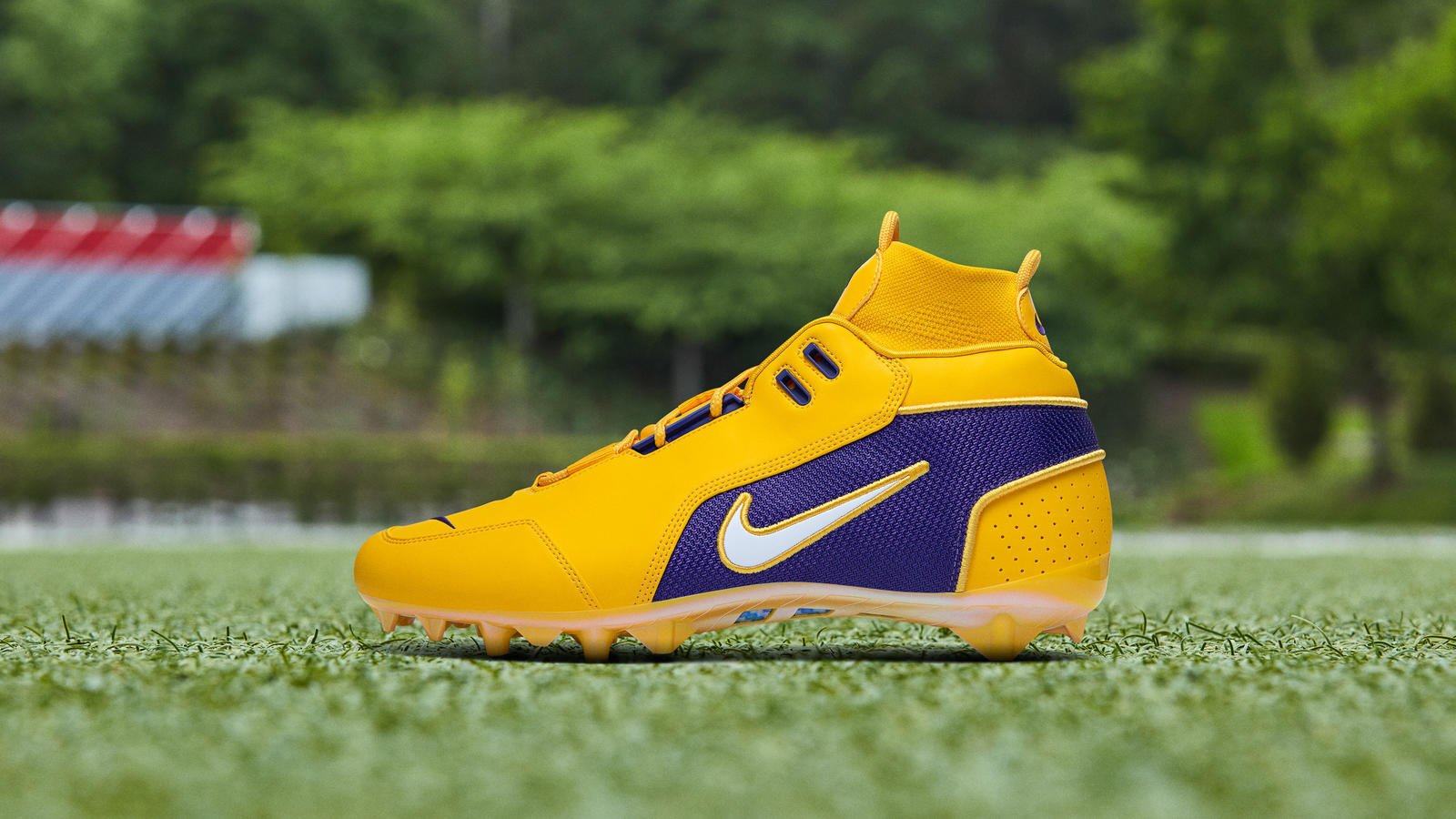 nike-odell-beckham-jr.-pregame-cleats-2019-season-week-15