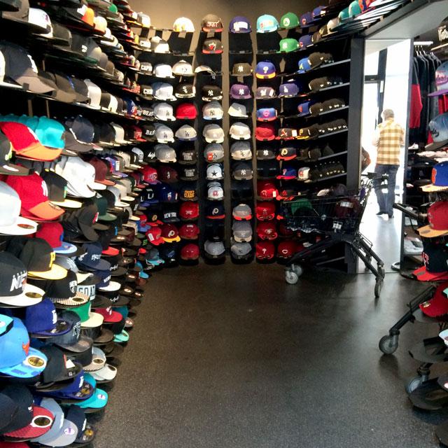 Berlins sneaker store check: a kickz.com sapkaszobája