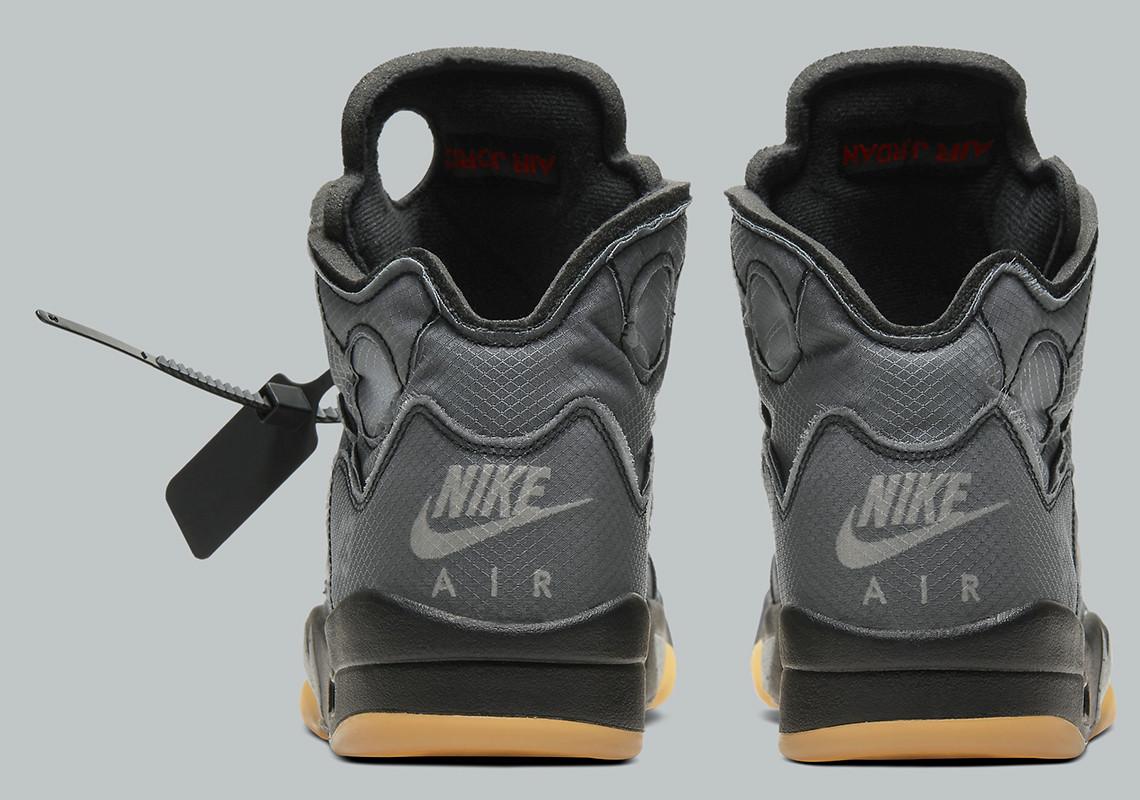 OffWhite Jordan 5 sneaker hátulról - és ott lóg a jellegzetes zip tie