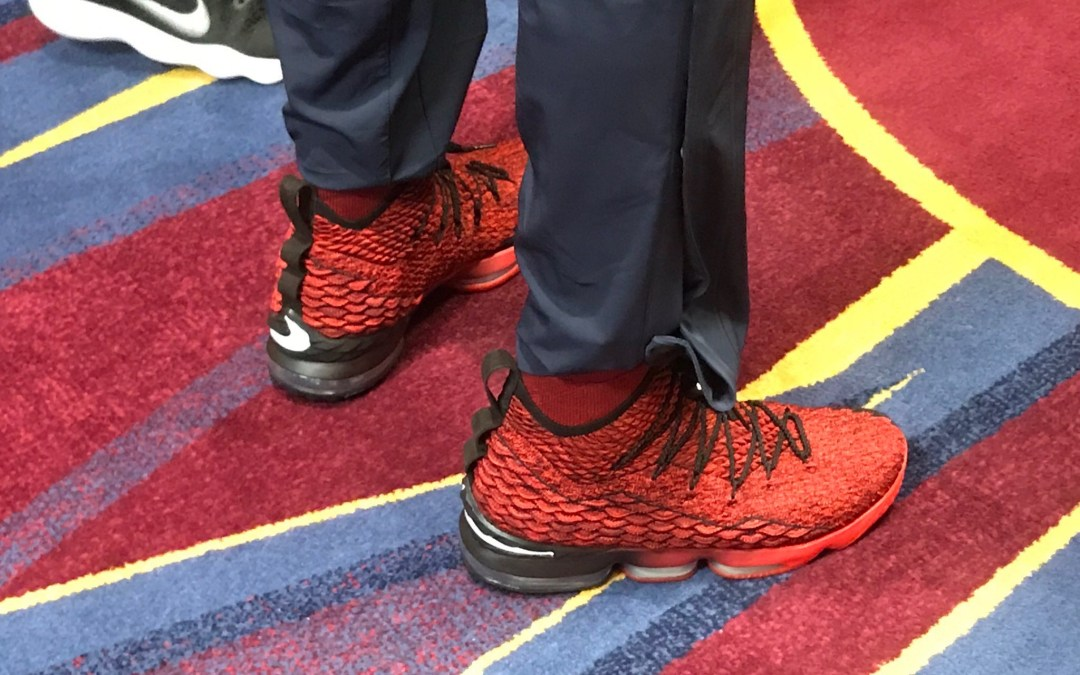 LeBron James Debuts Red & Black Nike LeBron 15 PE Against The Chicago Bulls!