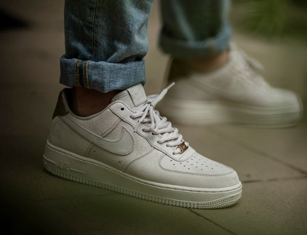Nike Air Force 1 07 Low Suede PRM Gamma Grey Phantom