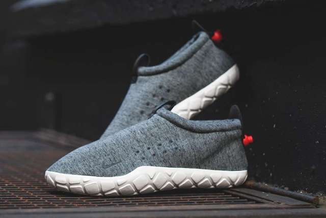 Nike-Air-Moc-Tech-Fleece-3