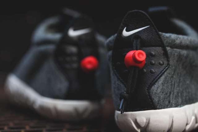 Nike-Air-Moc-Tech-Fleece-4