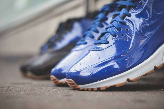 deep royal blue nike airmax 2
