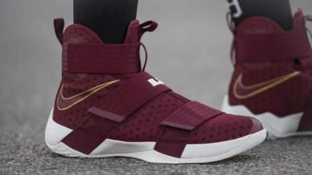 "NIKE LEBRON SOLDIER 10 ""CHRIST THE KING"""