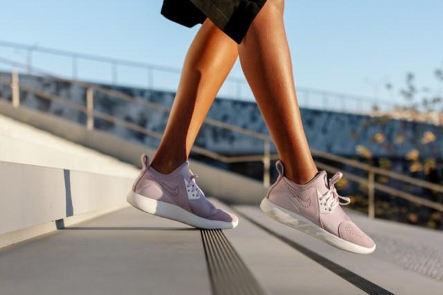 Nike Lunar Charge, sepatu sneakers, gambar sepatu, model sepatu terbaru, harga sepatu, online shop sepatu, sepatu keren, sepatu laki laki, koleksi sepatu, sneaker wedges, sepatu online shop, sepatu online original, sneakers original, toko online sepatu, sepatu sneakers murah, gambar sepatu terbaru, jual sneakers, sepatu sneakers wanita,