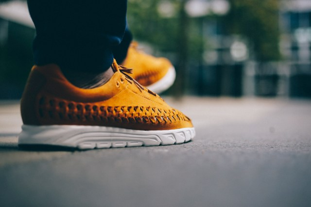 nike-mayfly-woven-curry-bstn-8