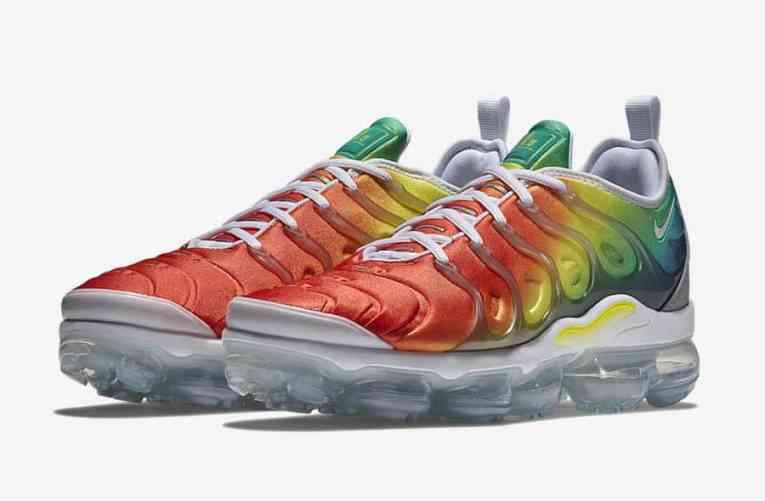 Nike Air VaporMax Plus Rainbow
