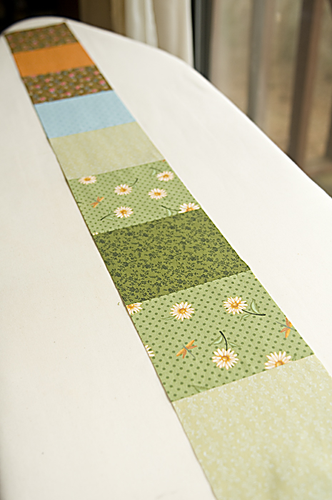 A strip of quilt squares