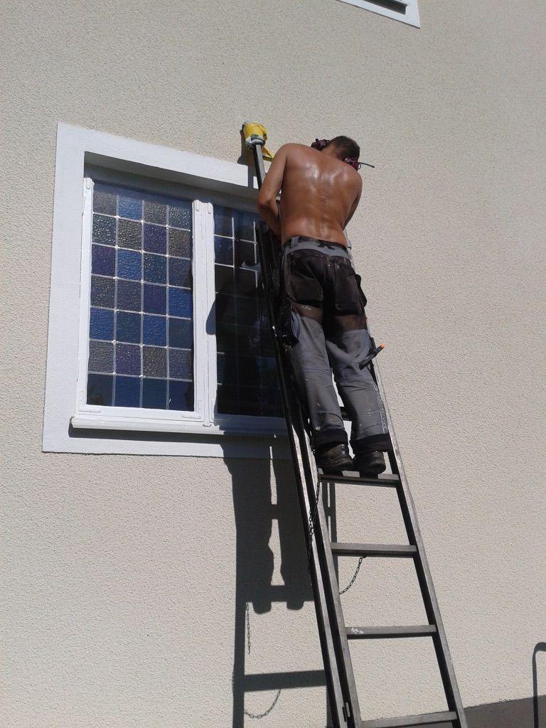 Snickarkillarna kör fönstermålning rådmansö