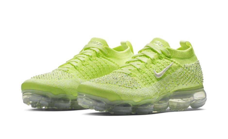 "Nike Air VaporMax Flyknit 2 LXX ""Swarovski"" ขายในไทย ราคา 17,300 บาท"