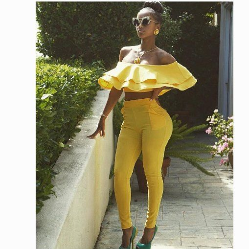 Lola Monroe Rocks Bright Yellow