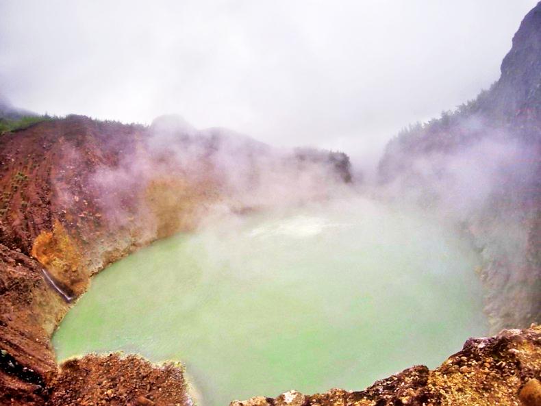 Boiling Lake sur l'île de la Dominique