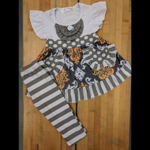 Short Flutter Sleeve White & Grey Pocket Dress and Leggings Set