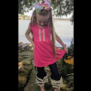 Sleeveless Hot Pink & Lace Tunic Paired With Denim & Lace Capri Pants