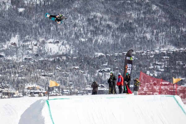 Mark McMorris snowboarding