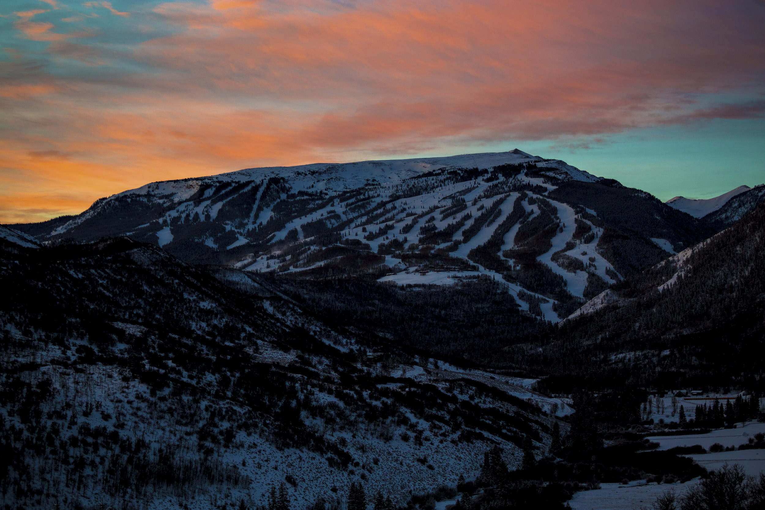 be81e09a69016 Snowmass in the good light. PHOTO: Chad Otterstrom. Click to view image.