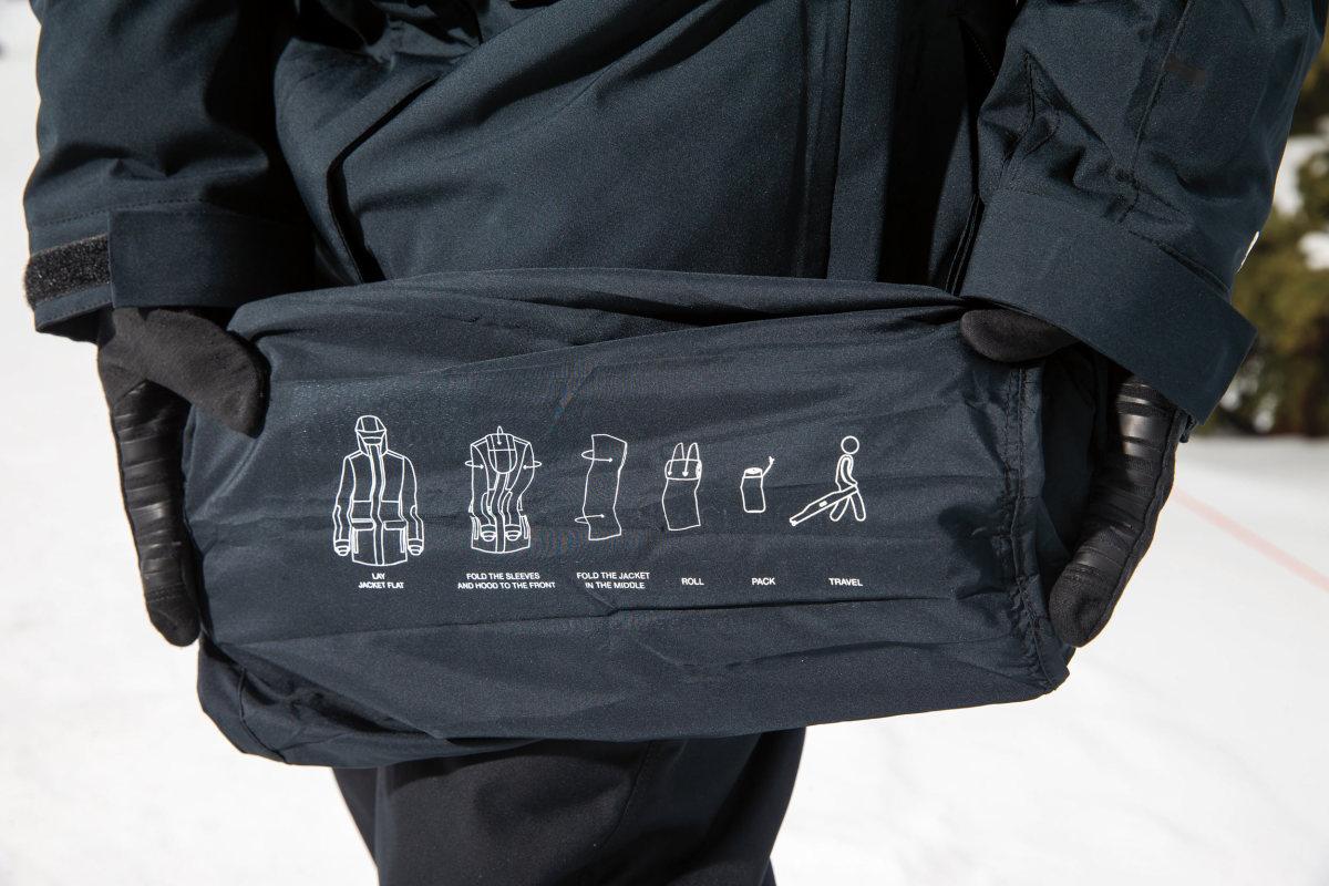 Foldable coat