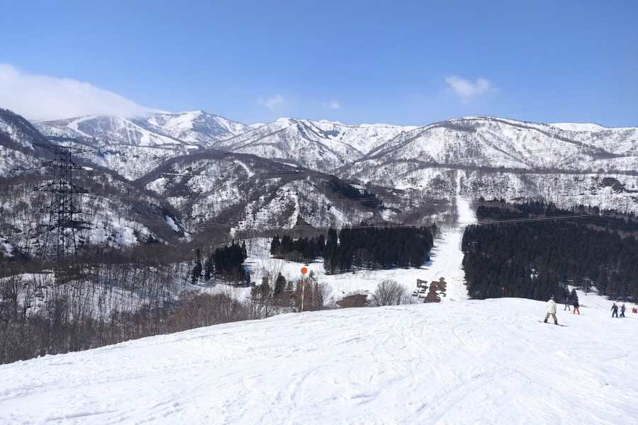 Spring Skiing Resorts in Yuzawa 2021