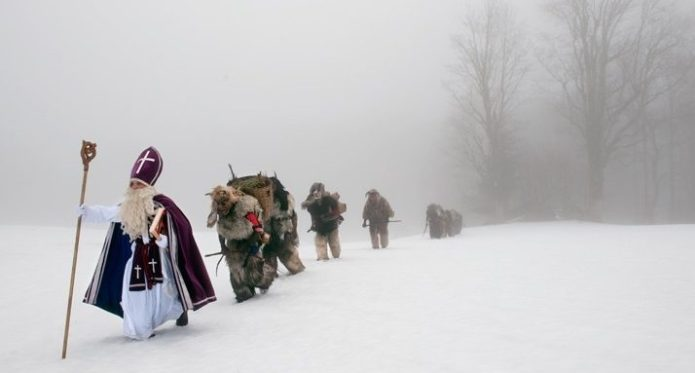 Krampus in de sneeuw. Foto: Carsten Peter