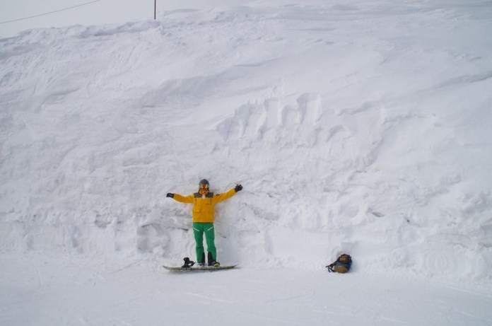 Sneeuwmuur in Japan