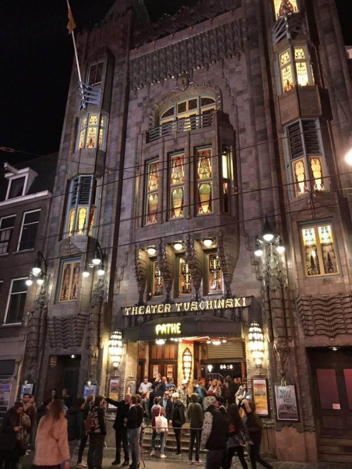 Het Freeride Film Festival vindt elk jaar plaats in Tuschinski, Amsterdam