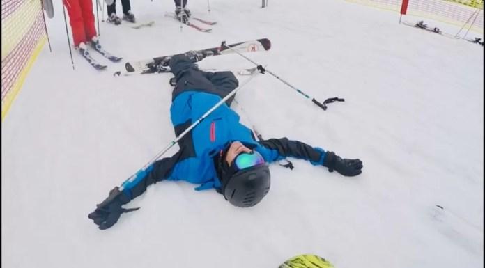 vallen met skiën stuntelaar
