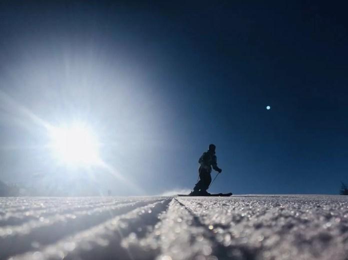 Eind maart liggen de pistes er vooral vroeg in de ochtend geweldig bij