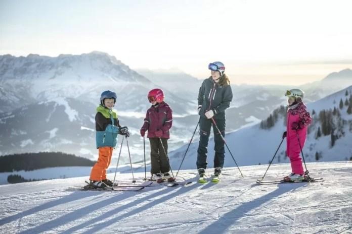 Skiën met de hele familie. © Mirja Geh