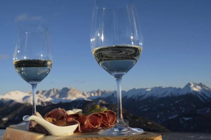 Aan het einde van de skidag is het tijd voor een aperitief. Foto: visitfiemme.it orlerimages.com