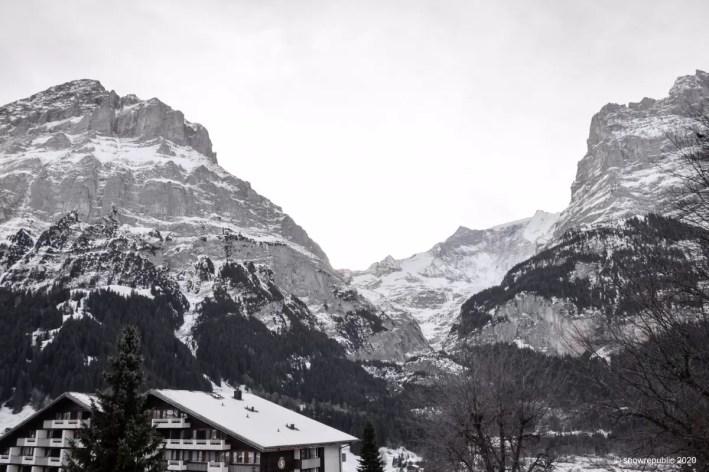 Uitzicht vanuit ons hotel in Grindelwald. Foto: Edwin Hagenouw