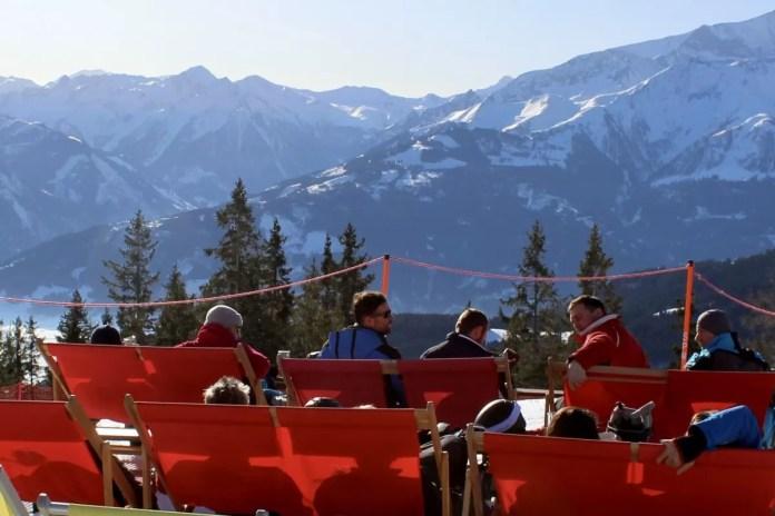 Wát een plek voor een drankje in een ligstoel. Foto: Pauline van der Waal