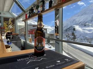 Aan boord kun je van een speciaal SkiArena biertje genieten Foto: Maaike de Vries