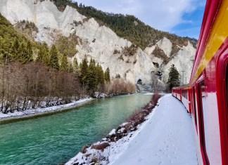 Met de trein door de Rijnkloof in Graubünden. Foto: Maaike de Vries