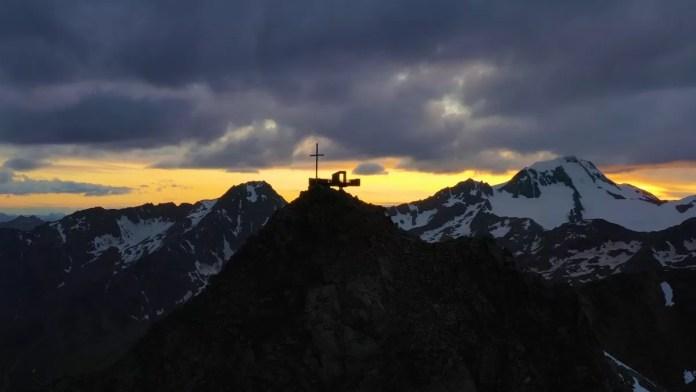Het uitzichtplatform zorgt voor een magisch uitzicht. Foto: Schnalstaler Gletscherbahnen AG
