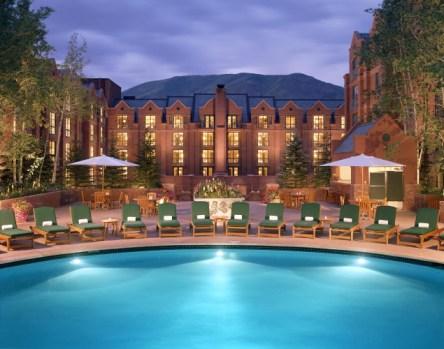 st-regis-aspen-outdoor-pool-635x500