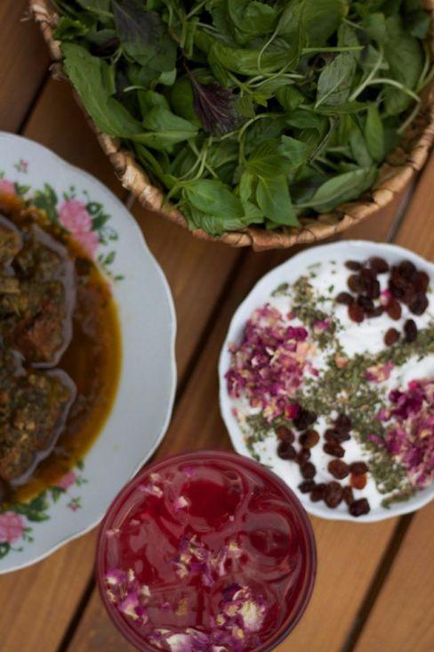 facebook.com/restaurantkhoone