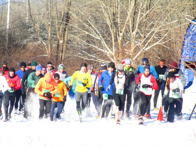 racers at Super Forsty Loomis snowshoe race 2018