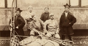 six men posing before leaving on Nansen's expedition to Greenland