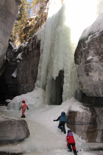Exploring and playing in Maligne Canyon