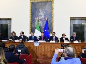 Terra dei fuochi, Consiglio dei ministri a Caserta