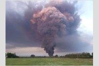 Incendio in un magazzino a Faenza (Ravenna), in corso i controlli Arpae