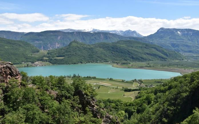 Il lago di Caldaro in Alto Adige