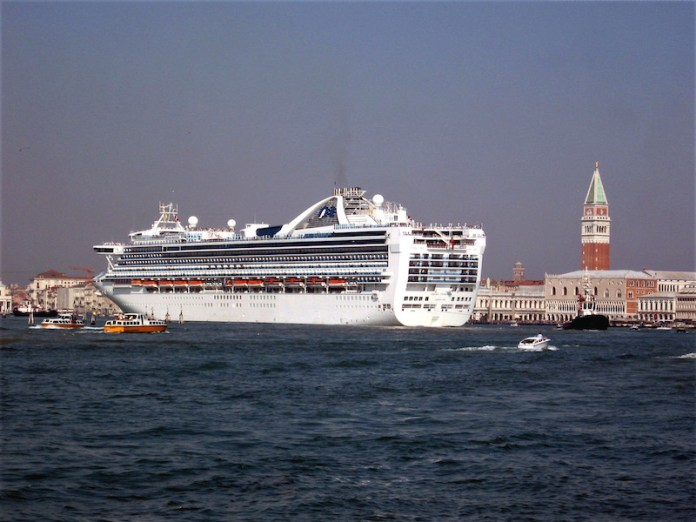 Gigantismo navale