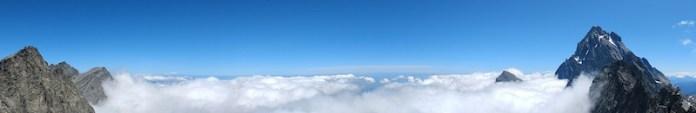 Panorama da Punta Udine (Valle Po): mare di nuvole tra il Monviso e Punta Venezia con sullo sfondo il Monte Rosa
